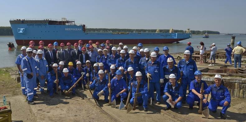 Maersk Connector is the second of a new generation of cable-laying vessels developed by the Damen Shipyards Group.